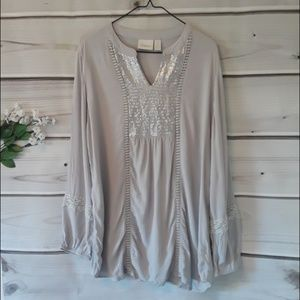 Chico's grey sequin tunic top size 2 (Large)